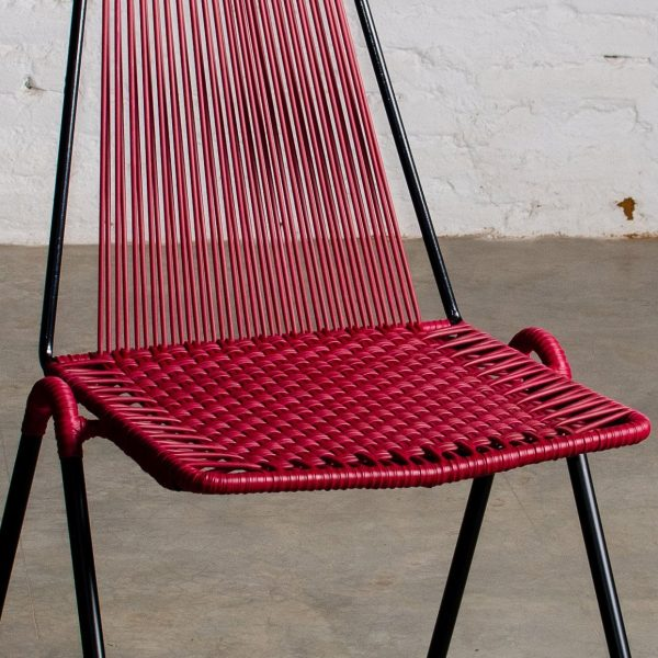 De la Finca Lite Red Wine & Black Chair